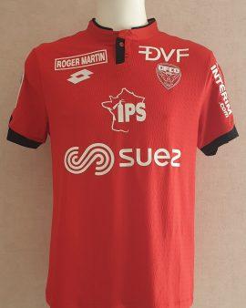 Maillot Dijon Football Côte-d'Or Ligue 1 porté par Jordan Marié