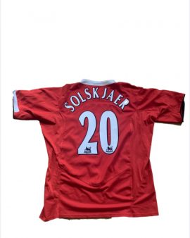 Manchester United Home shirt with Solskjaer on the back, from 2004-2006, complete with BPL patches