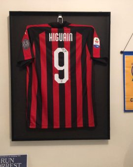 Milan AC signé par Pipita / HIGUAIN