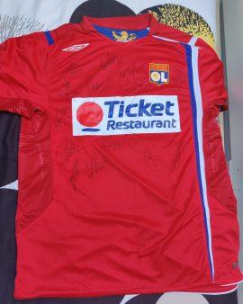 Maillot Olympique Lyonnais extérieur saison 2007/2008 dédicacé