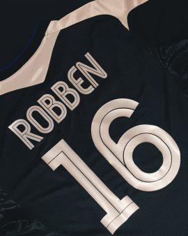 Robben Chelsea 04/05 Away Shirt
