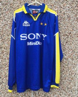 Juventus 95/96 XL (Large) – Long sleeves