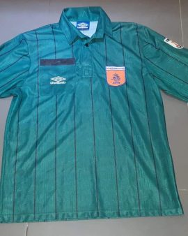Vintage umbro nedherland referee shirt