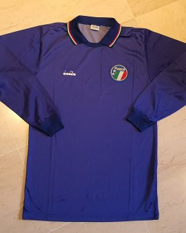 1986-90 Italy home shirt Long Sleeves size M excellent condition