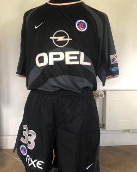 Maillot PSG 2001/2002 préparé + short