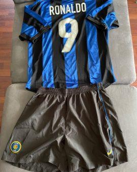 Ensemble Inter Milan 2000 Ronaldo Maillot et Short